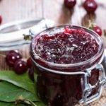 Заготавливаем вишню в желе на зиму — простой рецепт вкусного десерта